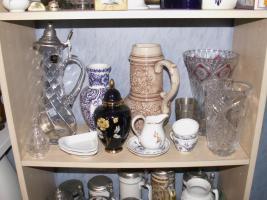Foto 9 Flohmarktartikel wie Porzellan , Kristallsachen und Bücher etc.