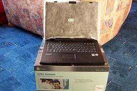 Fujitsu Notebook 2735 Core2Duo 2GB RAM 250GB wie NEU - OVP