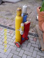 Foto 2 Gasflaschen mit Wagen und Besteck neuwertig