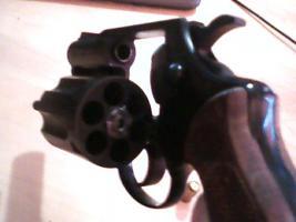 Foto 3 Gebrauchter 9mm Gas/Schreckschuss-Revolver
