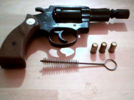 Foto 4 Gebrauchter 9mm Gas/Schreckschuss-Revolver