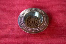 Gegen Rohrverstopfung: Abflusssieb für Küche und Bad