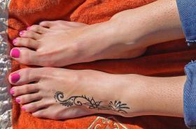 Foto 3 Geld als weibliches Fußmodel in Trier verdienen
