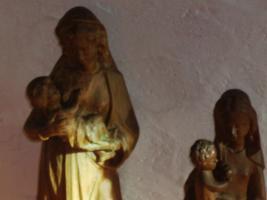 Foto 2 Geschnitzte Madonnen mit Jesuskind ca 45 cm und ca 35 cm hoch