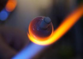Glasperlen selber machen? Glasperlendreh-Tageskurse
