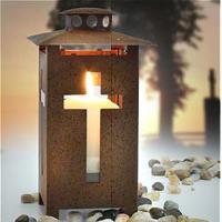 Laterne mit Kreuz