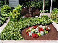 Grabpflege zur Einhaltung der Friedhofssatzung