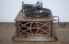 Grammophon England ca. 1905