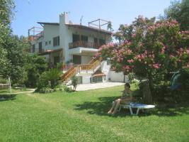Foto 2 Gratis Griechenland-Ferienunterkunft gegen Musik-, Kunst- , altgriechisch- Unterricht oder andere interessante Kurse in