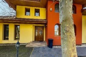 Großes Ferienhaus in Balatonlelle am Plattensee / Ungarn