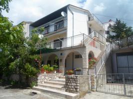 Gruppenhaus in Crikvenica - Kvarnerbucht, 18 Personen, 3 Ferienwohnungen, Haustiere erlaubt, Strand 500 m, Klimaanlage, TV SAT, Waschmaschine