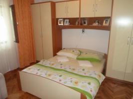 Foto 2 Gruppenhaus in Crikvenica - Kvarnerbucht, 18 Personen, 3 Ferienwohnungen, Haustiere erlaubt, Strand 500 m, Klimaanlage, TV SAT, Waschmaschine