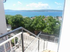 Foto 8 Gruppenhaus in Crikvenica - Kvarnerbucht, 18 Personen, 3 Ferienwohnungen, Haustiere erlaubt, Strand 500 m, Klimaanlage, TV SAT, Waschmaschine