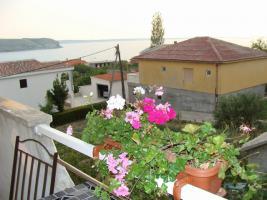 Foto 2 Gruppenhaus in Rtina Miocici ideal fuer 3 Familien 2 + 2, 3 Ferienwohnungen bis zu 12 Personen, 600 m vom Strand, 25 km von Zadar