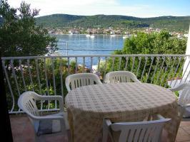 Gruppenhaus in Vinišće bei Trogir - Marina - Split, Dalmatien, bis zu 8 Personen