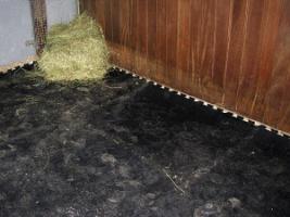 Foto 3 Gummimatten für alle Böden im Pferdebereich auch wasserdurchlässig