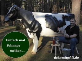 Foto 6 HALLO Buxtehude … Sie möchten gern mal unser hauseigenes Holstein - Friesian Deko Kuh lebensgross - Modell in den unterschiedlichsten Ausführungen kennenlernen … www.dekomitpfiff.de / Tel. 033767 - 30750 / info@dekomitpfiff.de