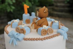 Foto 40 HAUSGEMACHT: Geburtstags - Überraschungs - Torten, die besondere Geschenkidee für besondere Menschen und besondere Gelegenheiten !