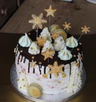 Foto 62 HAUSGEMACHT: Geburtstags - Überraschungs - Torten, die besondere Geschenkidee für besondere Menschen und besondere Gelegenheiten !