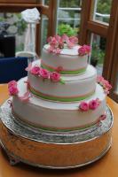 Foto 35 HAUSGEMACHT: Hochzeitstorten ganz individuell und geschmackvoll ! Nicht nur von außen !