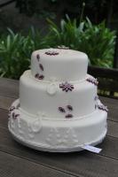 Foto 61 HAUSGEMACHT: Hochzeitstorten ganz individuell und geschmackvoll ! Nicht nur von außen !