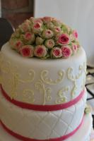 Foto 63 HAUSGEMACHT: Hochzeitstorten ganz individuell und geschmackvoll ! Nicht nur von außen !