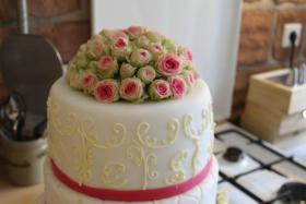 Foto 65 HAUSGEMACHT: Hochzeitstorten ganz individuell und geschmackvoll ! Nicht nur von außen !