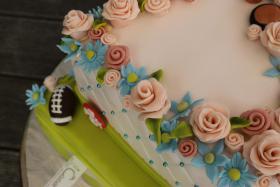Foto 68 HAUSGEMACHT: Hochzeitstorten ganz individuell und geschmackvoll ! Nicht nur von außen !