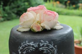 Foto 79 HAUSGEMACHT: Hochzeitstorten ganz individuell und geschmackvoll ! Nicht nur von außen !