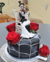 Foto 97 HAUSGEMACHT: Hochzeitstorten ganz individuell und geschmackvoll ! Nicht nur von außen !