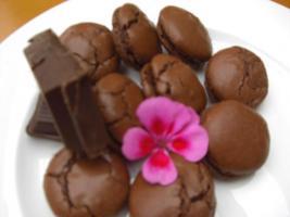 Schokoladenmacarons mit Zartbitterganache