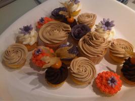Foto 16 HAUSGEMACHT: Mini - Cupcakes, kleine süße , verführerische Leckereien...einfach passend zu jeder Gelegenheit !