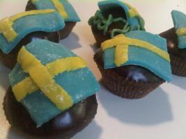 Foto 18 HAUSGEMACHT: Mini - Cupcakes, kleine süße , verführerische Leckereien...einfach passend zu jeder Gelegenheit !