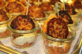 Foto 52 HAUSGEMACHT : Fingerfood, Amuse Gueule, Amuse -  Bouche, herzhafte Mini - Muffins mit Topping nach Wahl.......