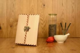 Handgefertigte Lederwaren, Notizbücher, Fotoalben, Ledertaschen - Ideal zum verschenken