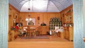 Handgefertigte Miniatur Bauernstube aus Holz