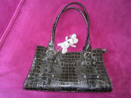 Foto 2 Handtasche neu ungebraucht silberschwarzmetallisch glänzend