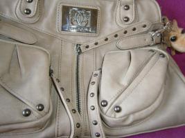 Foto 5 Handtasche neu ungebraucht silberschwarzmetallisch glänzend