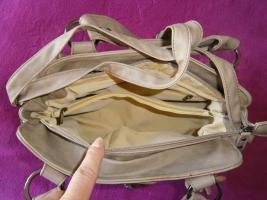 Foto 8 Handtasche neu ungebraucht silberschwarzmetallisch glänzend