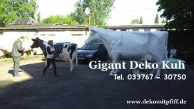 Hast Du noch keine Gigant Deko Kuh m Garten… ?