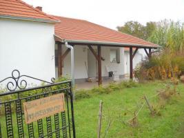 Haus in Ungarn Balaton Plattensee nähe Zalakaros 1700m2 Grundstück Neu Renoviert Carport