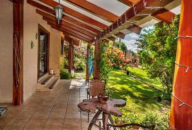 Foto 2 Haus in schöner Lage mit großem Grundstück