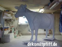 Foto 2 Hey warum stellen Sie nicht gleich drei Deko Kälbchen zu Ihre Deko Kuh in den Garten … ?