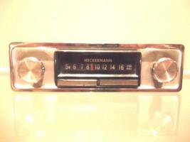 Historisches Autoradio der 60 iger Jahre