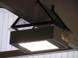 Foto 2 Hoffmeister-Hallenleuchten mit 2 x 400 Watt Metalldampflampen