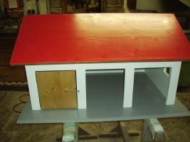 Foto 2 Holzspielzeug Nachbau von Garagen Hallen Häusern für Kinderspielzeug