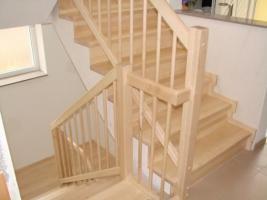 Foto 5 Holztreppen nach Mass, Treppen aus Polen, Massivholztreppen