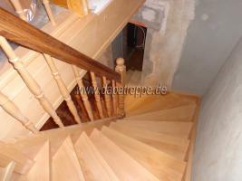 Foto 6 Holztreppen aus Polen, Treppe aus Holz, Verkleidung von Betontreppen, Treppengeländer