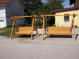 Foto 2 Hoolywoodschaukel  Gartenschaukel 3 Sitzer fertig lasiert