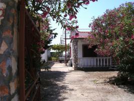 Hübsches Ferienhaus mit Garten 400 m zum  Meer in San Pietro in Bevagna, Apulien